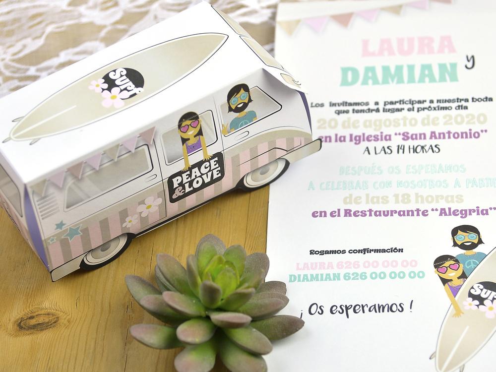 invitación original con furgoneta hippie