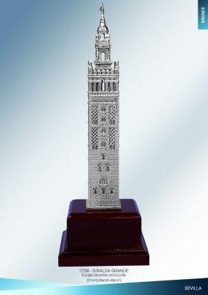 Giralda de Sevilla fundida en bronce